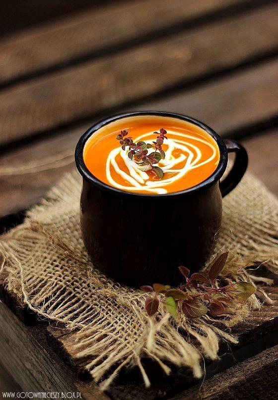 Zupa z pieczonej marchewki z miodem i imbirem