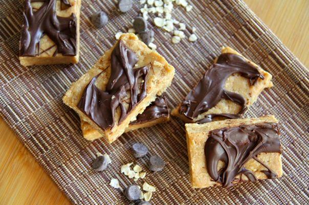 No Bake Almond Fudge Protein Bars-42 Healthy and Portable Fridge Free snacks