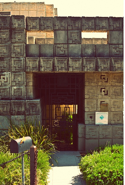 23 best Frank Lloyd Wright images on Pinterest   Ennis house, Frank lloyd  wright and Brown house