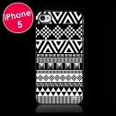 Coque Azteque Noir Clous pour iPhone 5  #coquesiphonecom #coquesiphone #coqueiphone #coqueenrelief #relief #resine #iphone4 #iphone5 #pois #photooftheday #instagram #hibou #chouette #swag #azteque
