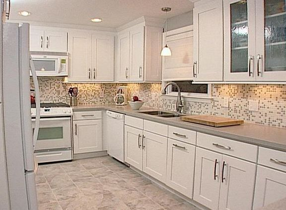 Shiny and Glazing Kitchen Cabinets – Glazing kitchen cabinets is a way to make kitchen cabinets have a shiny colors and looks like new. The kitchen cabinets are furniture that is very important for the kitchen because of their role in saving kitchen appliances. Kitchen cabinets in the long term it will fade. Faded colors …