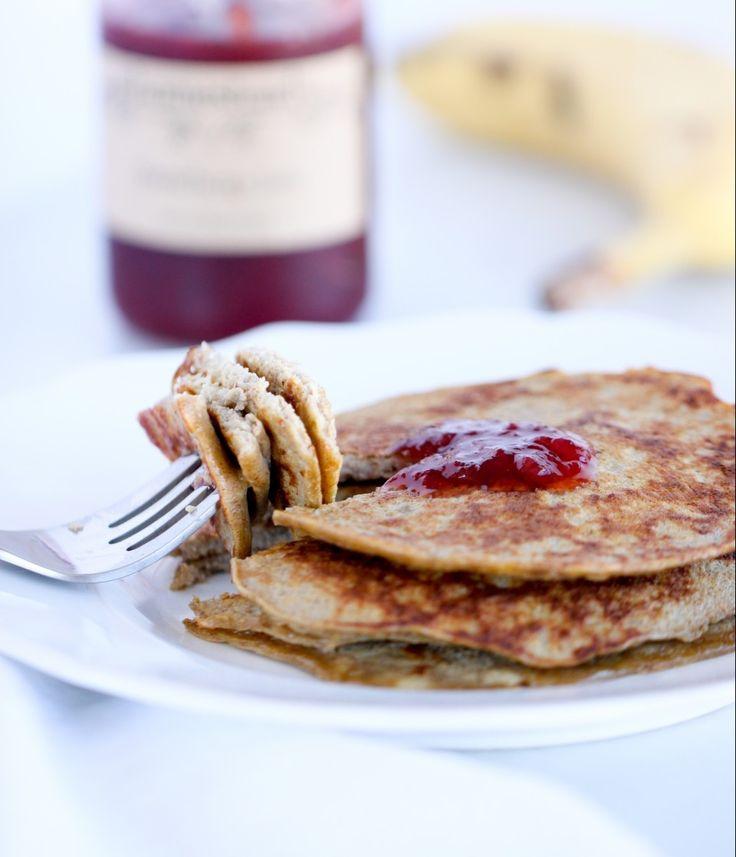Für unsere Drei-Zutaten-Pfannkuchen stehst du morgens sicherlich gerne auf. Diese luftigen Wunder sind eiweißreich, haben einen hohen Kaliumgehalt und verwöhnen dich mit einem Hauch von Zimt. Mit e…