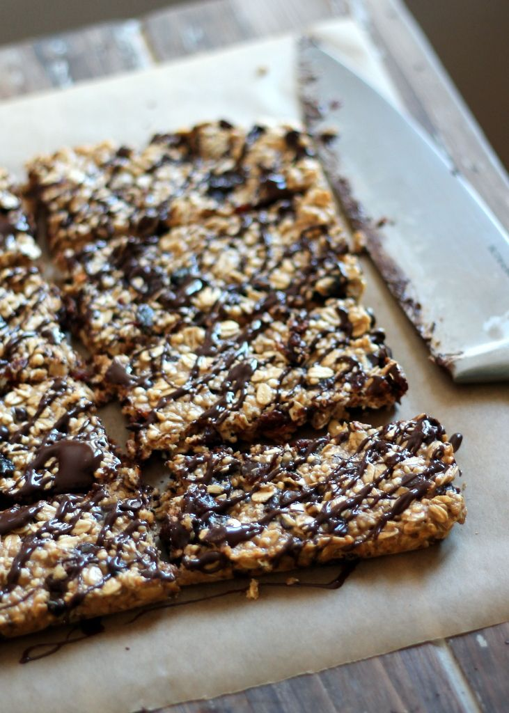 #Recipe: Chewy Dark Chocolate Cherry #Protein Granola Bars with Chia Seeds