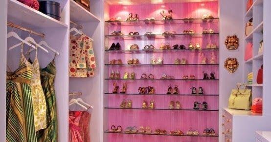 Por lo general, las mujeres sean adolescentes, señoritas o niñas tienen infinidad de accesorios, ropas y zapatos con modelos y colores v...
