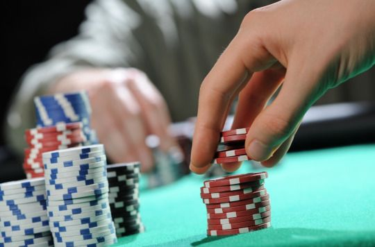 5 Poker Tips for å Forbedre Spillet for Nybegynnere