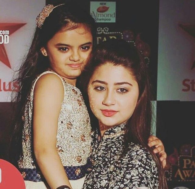 Cutest pic ever Chotu n Badi Ruhi They look identical in this pic Like sisters #yhm_best_serial_ever