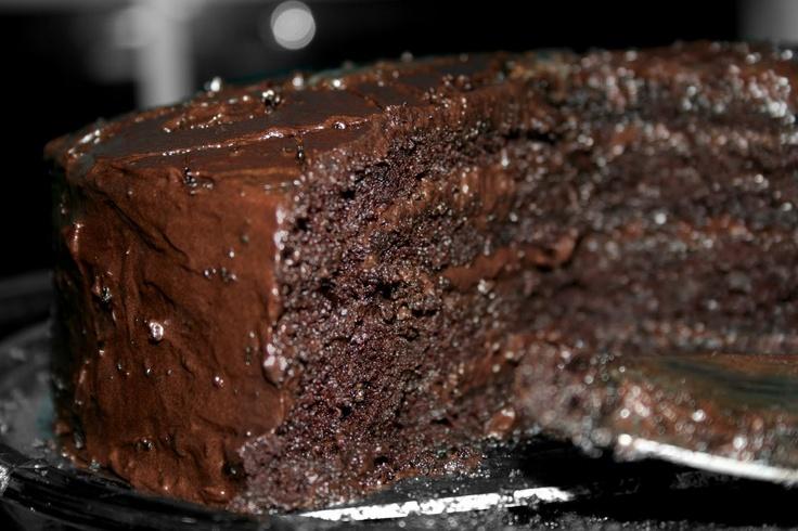 Looks goooooood: Delicious Cakes, Daredevil Chocolates, Blushes E.L.F., Homemade Chocolates Cakes, I Dare You, Birthday Half Frostings, Chocolate Cakes, Butter Frostings, Chocolates Frostings