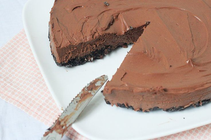 Houd je ook zo van Oreo koekjes? Deze Chocola Oreo cheesecake is GE-WEL-DIG!