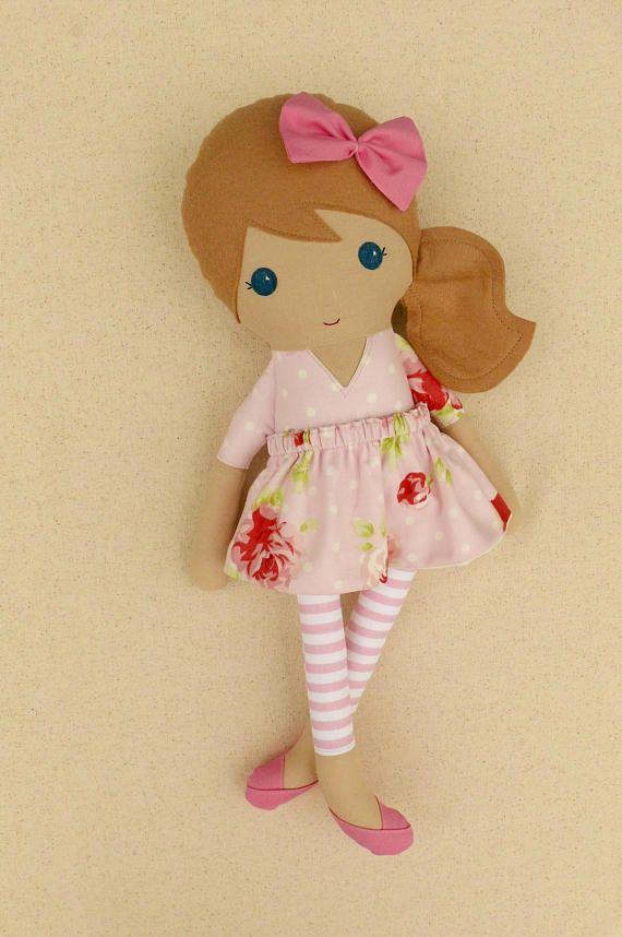 Muñeca de chica de pelo marrón claro tela muñeca trapo muñeca
