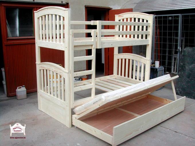 Ágymester emeletes ágy vendégágyas ágyneműtartóval