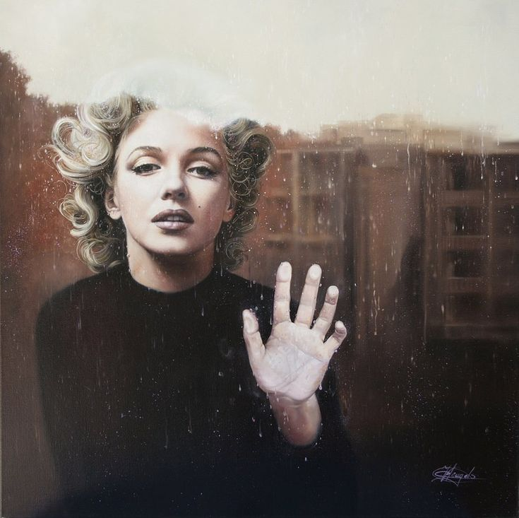 Christiane Vleugels, uber talented artist in Belgium, paints giant photo-realist portraits with oil. Her surreal use of light mixed with photo-realist details and proportions create her strong stylistic technique.