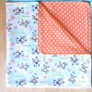 Reversible Receiving Blanket - When you're having a baby, you want to make sure everything is absolutely perfect for your new child from the second he or she enters the world. This Reversible Receiving Blanket is just what you need to make sure your child is immediately swaddled in warmth and comfort, and it couldn't be easier to #sew. These #DIY blankets are reversible, so you get to pick not just one, but two of your favorite fleece designs.