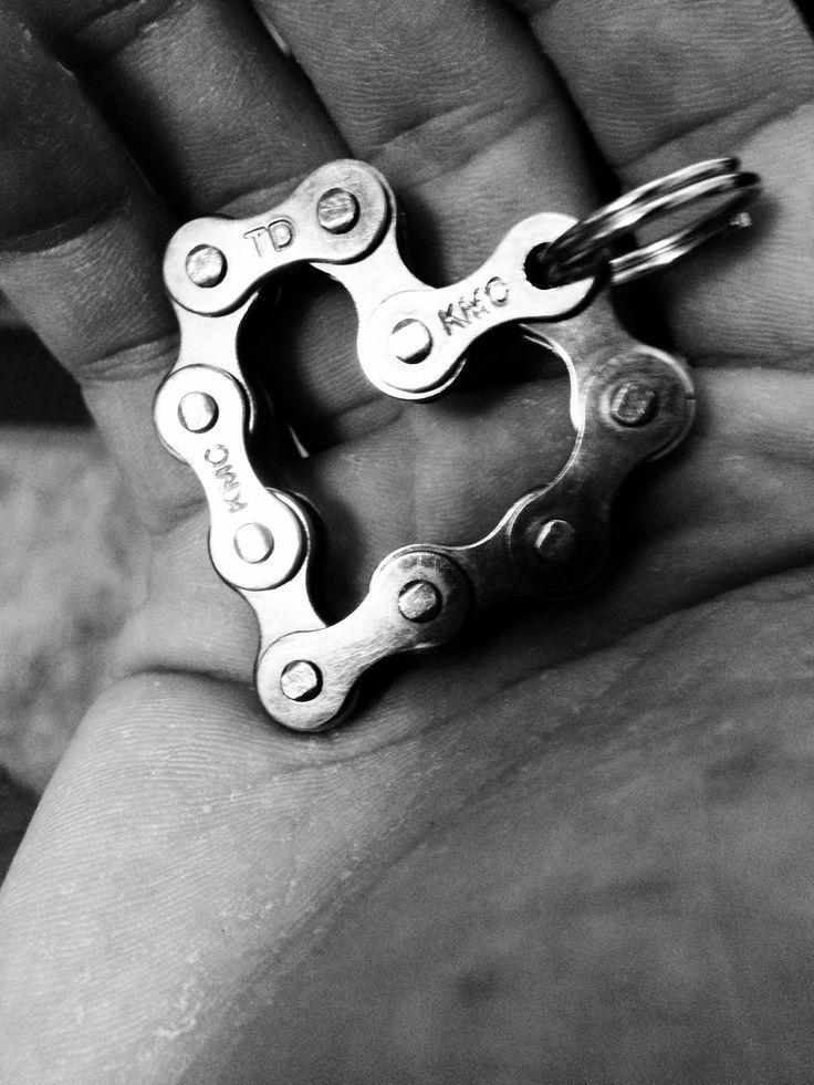 Welded-key-chain-in-heart-shape