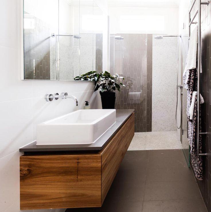 BLUE Jess & Ayden | Week 4 Room 2 | Bathroom & LivingThe Block Shop - Channel 9