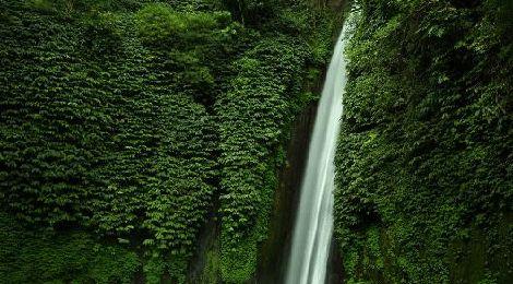 Blahmantung Waterfall  www.travelling-bali.com