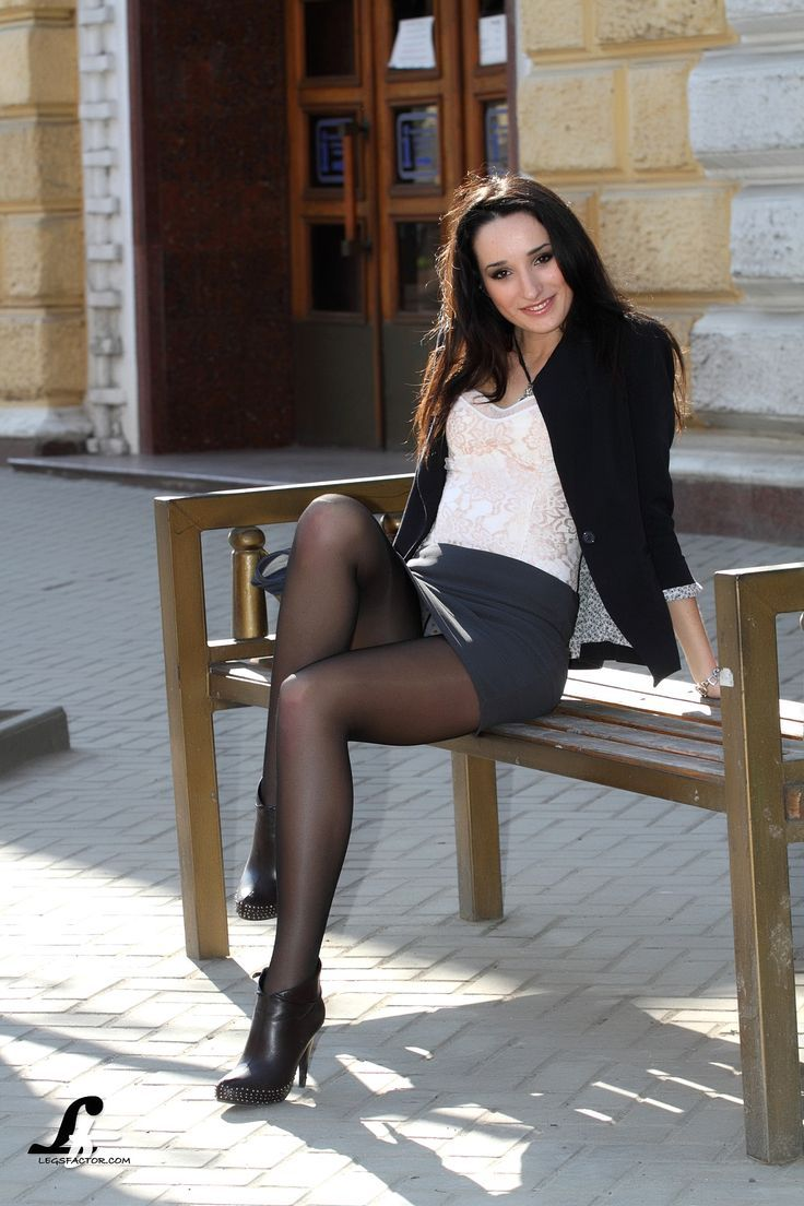 Babe in boots and stockings