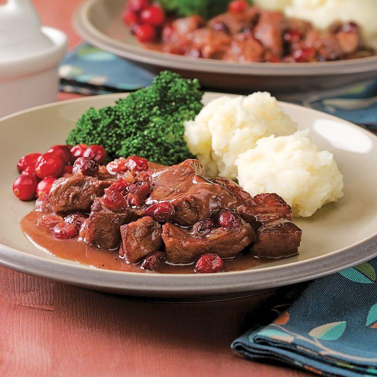 Les morceaux de porc imbibés de l'arôme des canneberges et du vin rouge vous feront rêver à chaque bouchée.