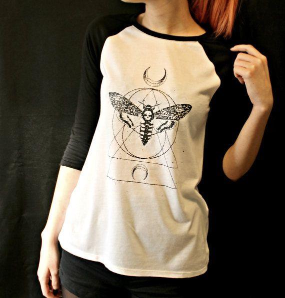 Tatto moth geometric t-shirt baseball t-shirt for por EbonyAnchor