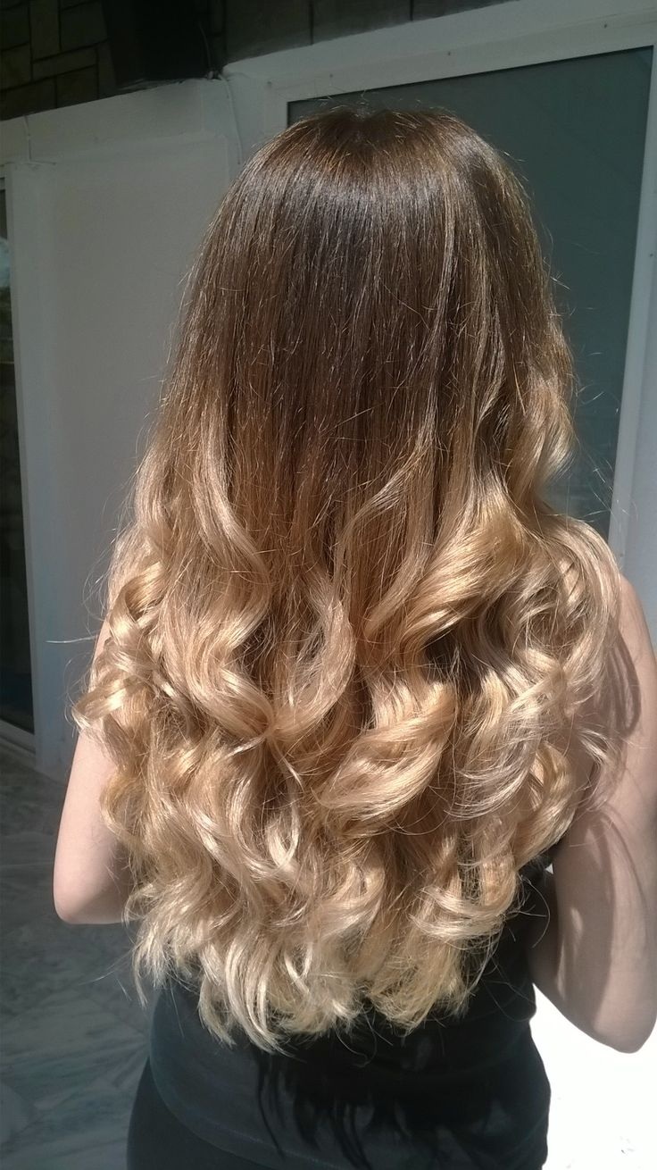 Bronde  3D balayage, so beautiful under the sun Cut & color by Penny Voudouri
