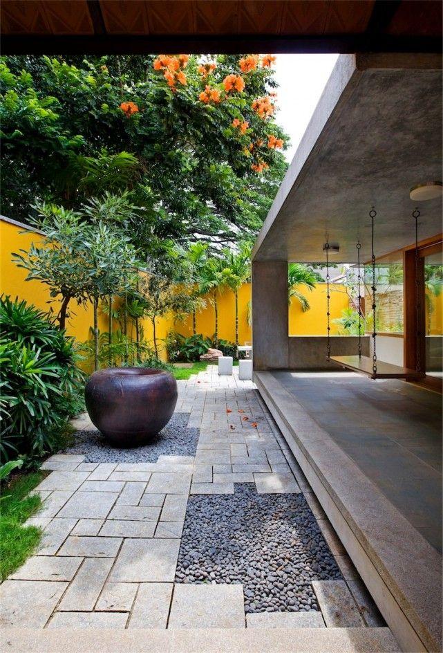 The library house garden