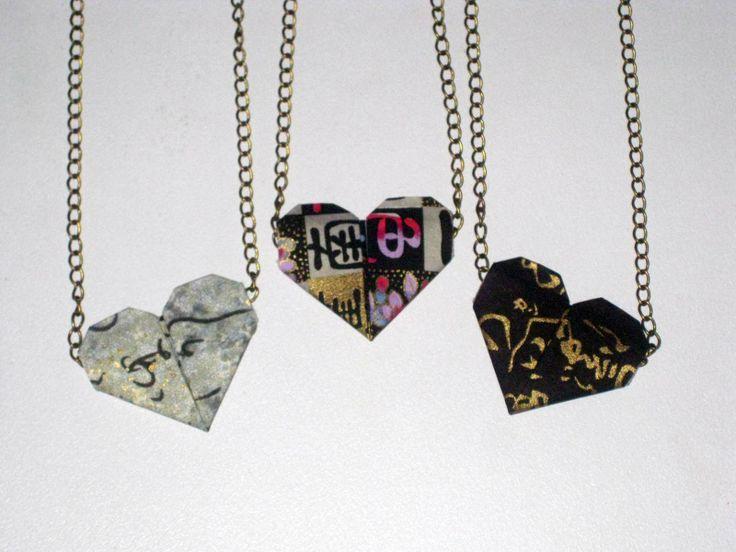 Origami necklace heart | fio coração More info: https://www.facebook.com/oficinaa6shop