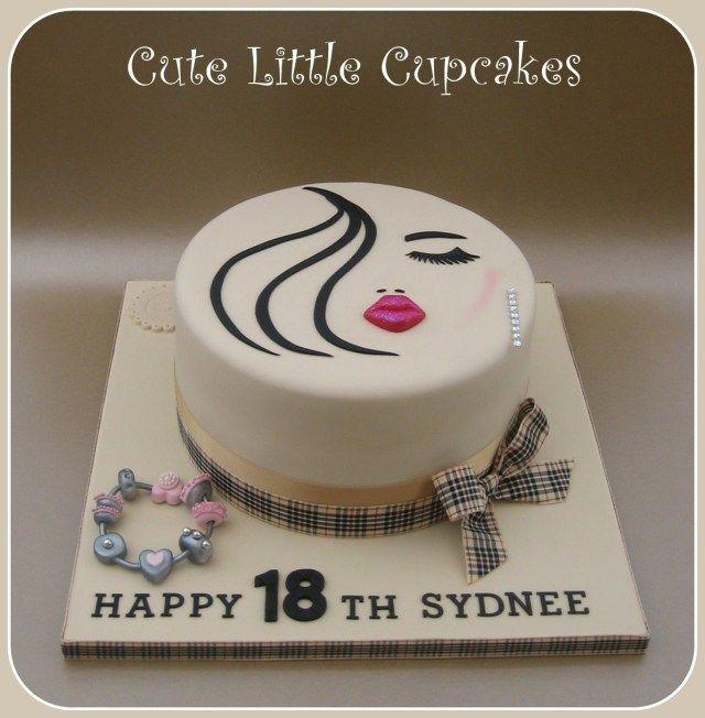 23+ Fantastisches Bild von kleinen Geburtstagstorten. Kleine Geburtstagstorten Lippen Wimpern …   – ∾Ѕwєєт∾