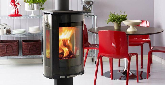 http://www.atryhome.com/ #poêle #poêlebois #poêlesàbois #poeleabois #moderne #design #contemporain #fonte #jotul #bois #chauffage #feu #flamme #atryhome #marque #modèle #norvégien #scandinave