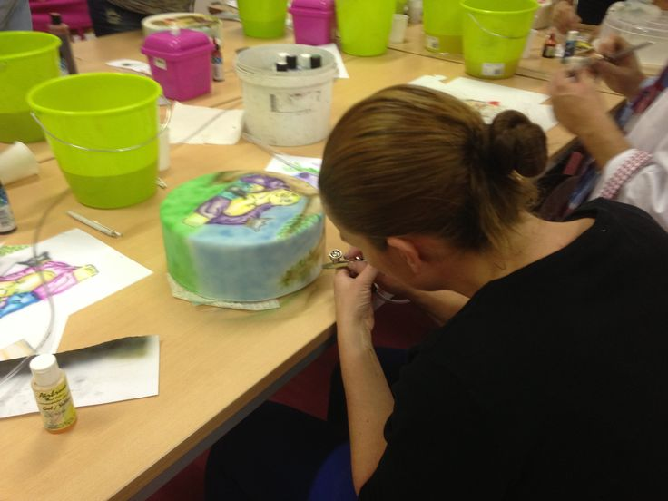 Airbrush Cake Decorating Tips : 57 best images about CAKES AIRBRUSH on Pinterest Cookie ...