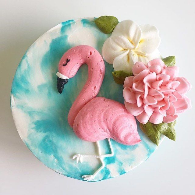How adorable is this Flamingo cake by @_leslie_vigil_ ? Why is there no flamingo emoji on the keyboard still?