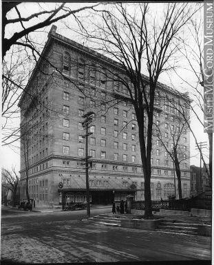 VIEW-15469 | Ritz Carleton Hotel, Sherbrooke Street, Montreal, QC, 1915 | Photograph | Wm. Notman & Son