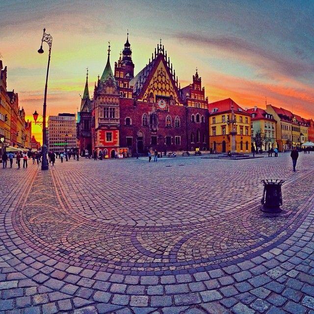 """""""Loversiarski landszafcik"""" Rynek. Wrocław. Wiadomo. #igerswroclaw http://igerswroclaw.tumblr.com/"""
