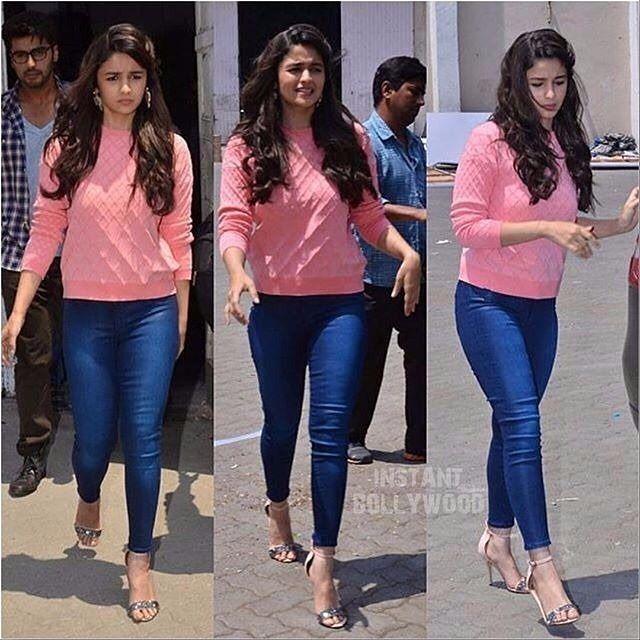 """Hotness Goals ❤ : When Alia Bhatt Rocked this Denim look & had long tresses. @Bollywood ❤❤❤"""