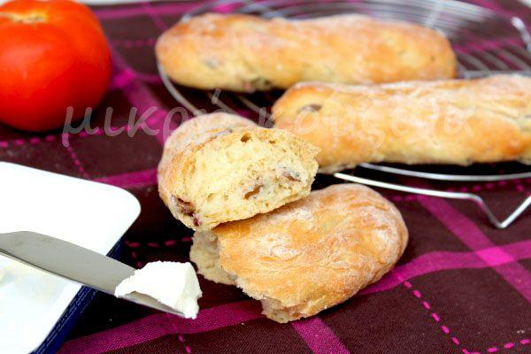 μικρή κουζίνα: Μπαστουνάκια ψωμιού με ελιές και χυμό πορτοκαλιού ...