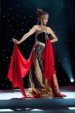 National Costume: Miss Universe Indonesia 2011