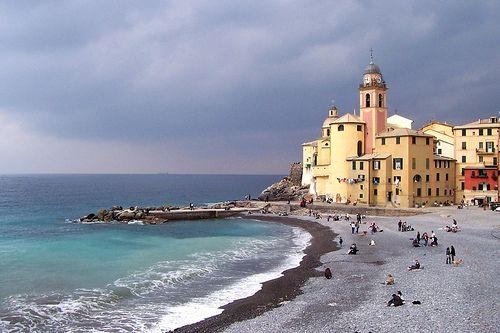 Camogli TAKE ME HERE!!!: Sea Italy, Sea Camog, Mediterranean Sea, Beautiful Places, Sands Beaches, Camog Image, Fun Places, Black Sands, Amazing Beaches