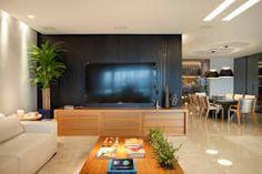 Salas multimedia de estilo moderno por Isabela Lavenère Arquitetura https://www.homify.com.mx/libros_de_ideas/3454253/15-colores-para-pintar-las-paredes-de-tu-casa-se-veran-sensacionales
