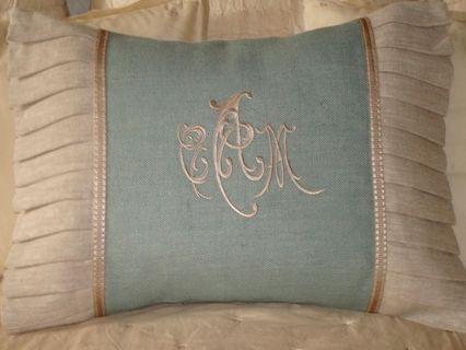 Beautiful monogrammed pillow & 304 best pillows ! images on Pinterest | Cushions Pillow ideas ... pillowsntoast.com
