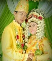 Banjar wedding costume (Indonesia)
