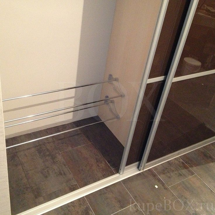 Встроенный шкаф купе в коридоре