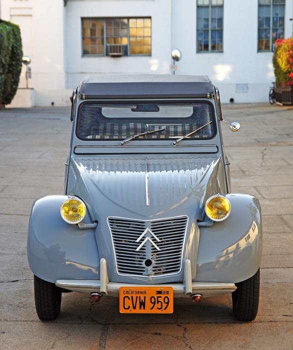 Citroen 2CV: 2Cvs, Classic Cars, Classiccars 2Cv, 1 02 2Cv, Citroen 2Cv Perhaps, 2Cv Passion, Km Citroen 2Cv, Citroen 2Cv Reliable