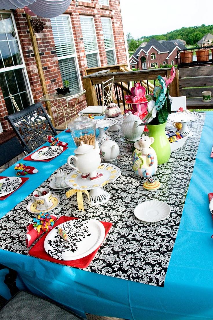Design Tablecloth Ideas best 25 tablecloth ideas on pinterest garage party inexpensive idea the polkadot chair
