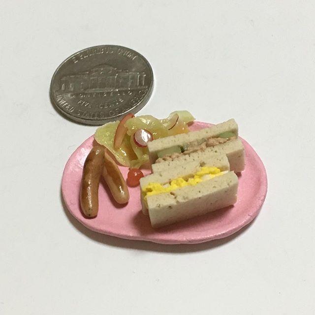 #サンドイッチ #ツナときゅうりのサンドイッチ #たまごサンド #ソーセージ #サラダ #モーニングプレート #モーニング #ブレックファスト #ブランチ #朝ごパン #洋食 #sandwich #sausage #salad #breakfast #branch 🍞 #claywork #handmade #miniature #miniaturefood  #fakefood