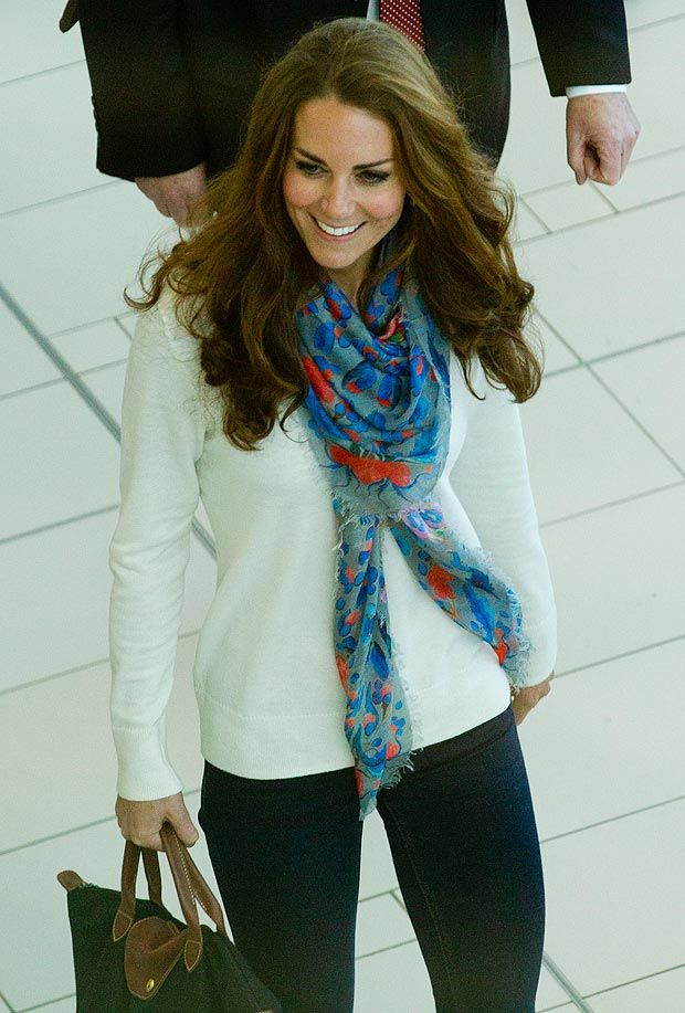 Kate Middleton She Got A Longchamp Bag I Want One Wish I Looked Like Her Pinterest