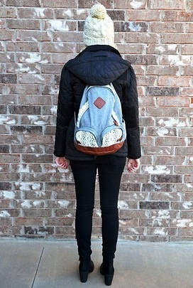 @Alissa Burton rocking UO's lace backpack and black #BDG jeans #urbanoutfitters
