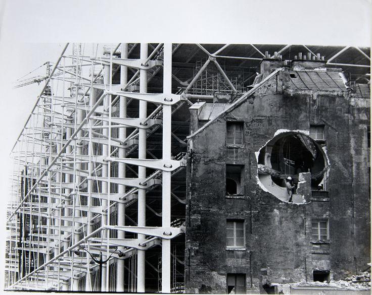 Gordon Matta-Clark  'Conical Intersect 4' [Documentació de l'acció 'Conical…