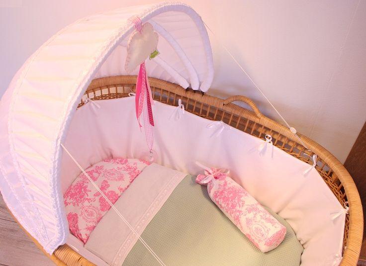 Wiegbekleding Kap Wit Kant, Mint en Roze Beddengoed * Cradle Lining Lace White Mint Pink
