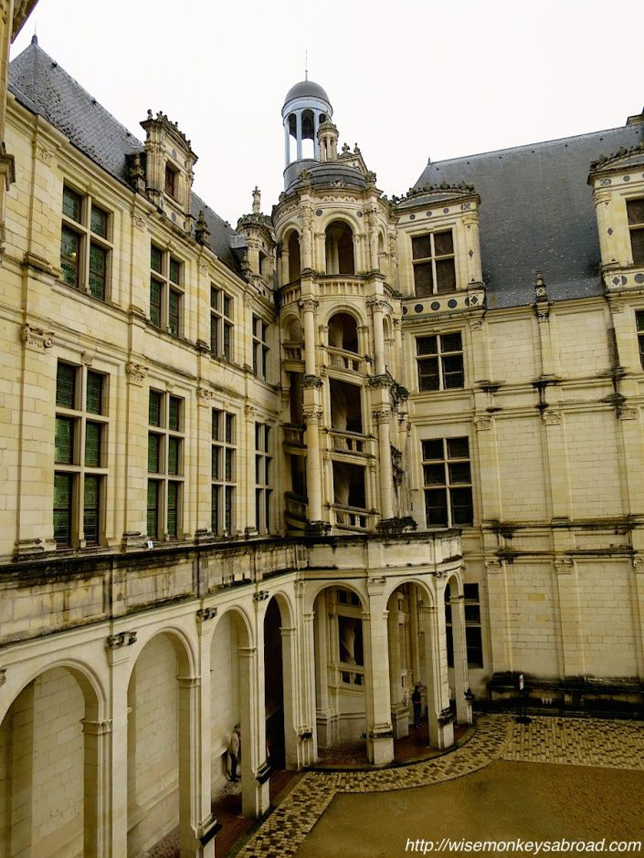 Loire Valley and its chateaux - this post showcases Chambord!