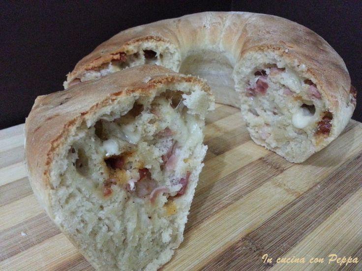 Il tortano napoletano o casatiello è un piatto della cucina tradizionale napoletana.Ottimo sia caldo che freddo.La tradizione lo collega alle feste pasquali bimby