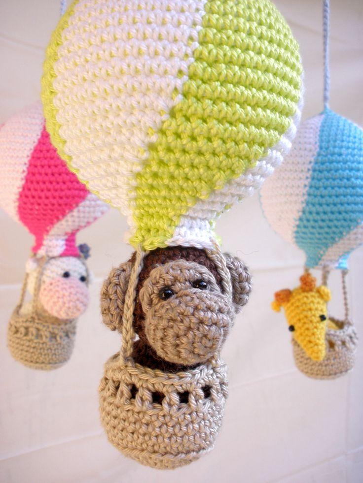 Hot air balloon baby mobile by Silke Merckx
