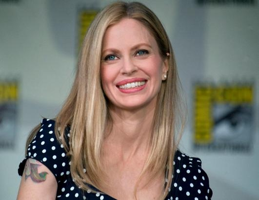 Kristen Bauer van Straten - amazing woman, amazing actress (aka: amazing vampire) and she's talked to me. ♥